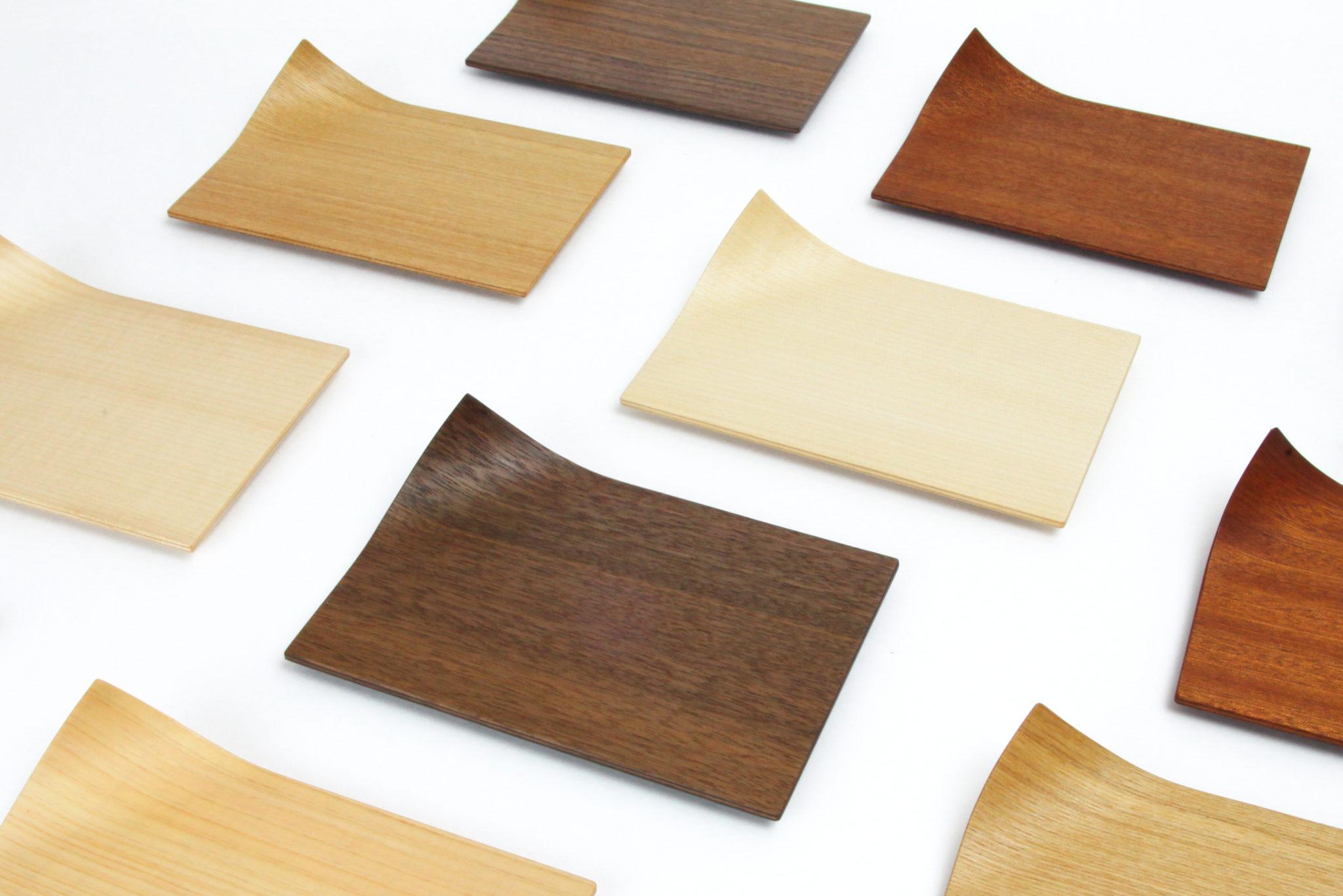Fluttering Wood Plates
